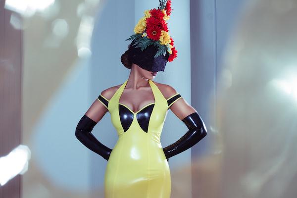 Mrs-Sophie-Yellow-Latex